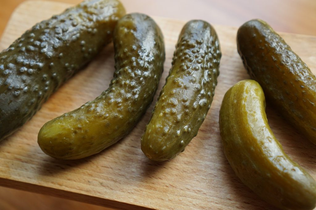 Ingredients matter when dogs eat pickles