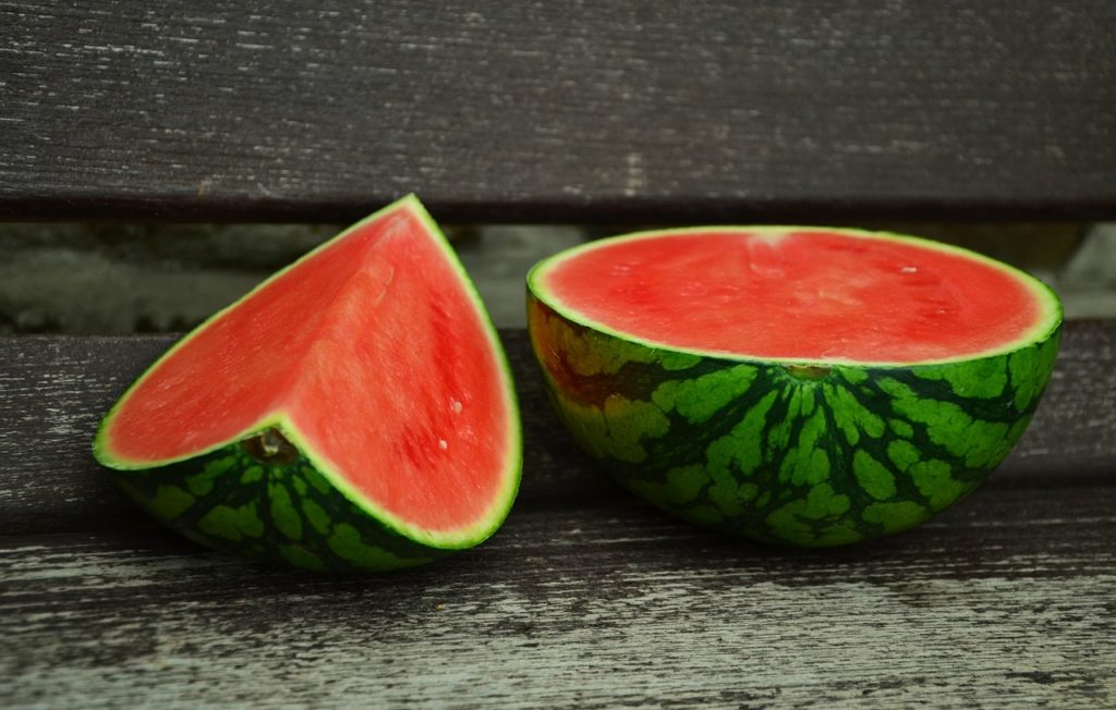 Make sure cats eat watermelon infrequently